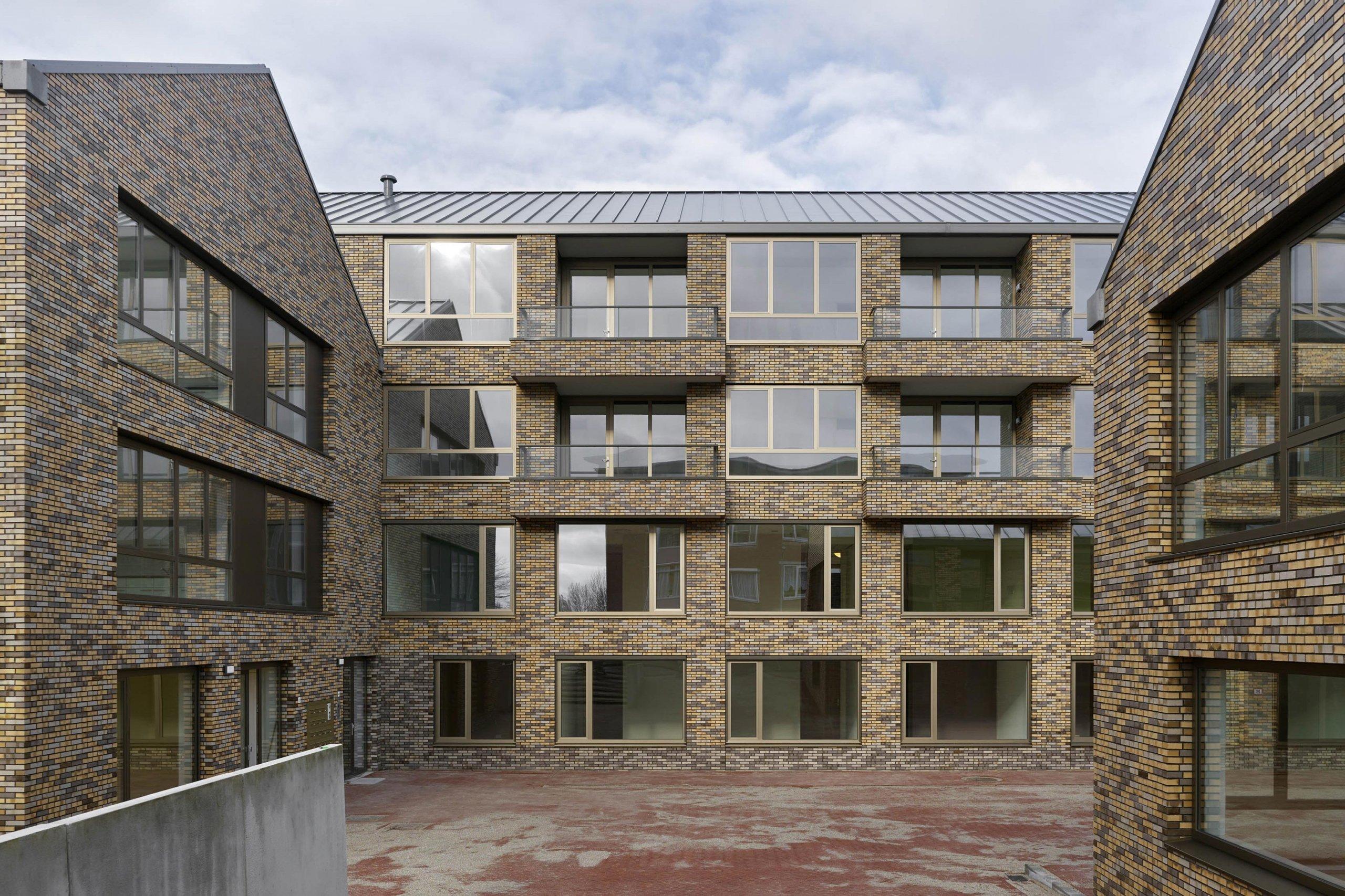 Exterieur van woon en zorgcomplex de maisbais in Middelburg.